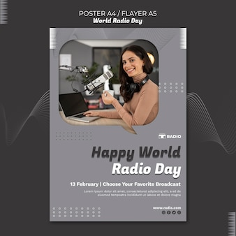 Вертикальный плакат ко всемирному дню радио с телеведущей