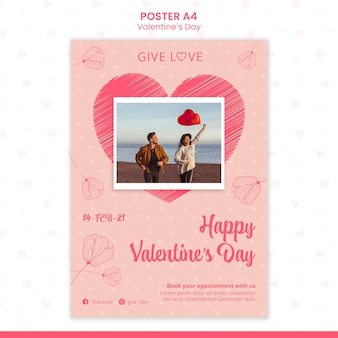 Вертикальный шаблон плаката на день святого валентина с фотографией пары