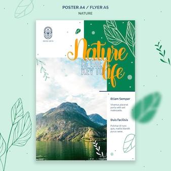 Modello di poster verticale per la natura con paesaggio di vita selvaggia