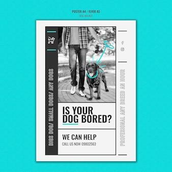 Modello di poster verticale per azienda professionale di passeggiate con cani