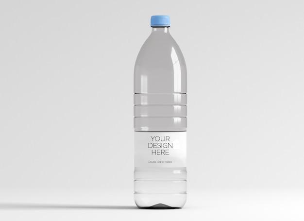 水のボトルのモックアップのビュー