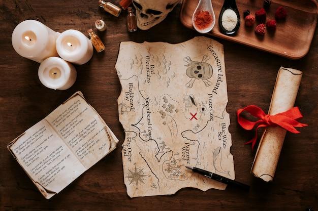 Concetto di vela d'epoca con spezie e carta