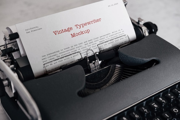 Винтажный макет пишущей машинки