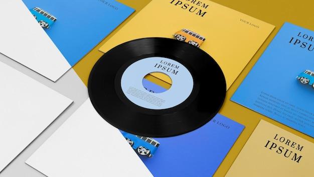 비닐 레코드 모형 배열