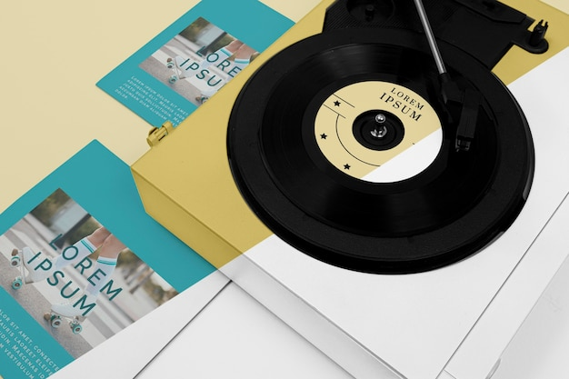 비닐 레코드 목업 구성