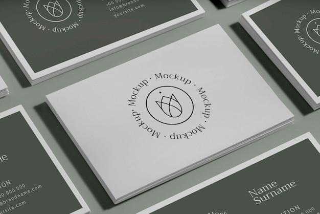 名刺デザインのモックアップを訪問