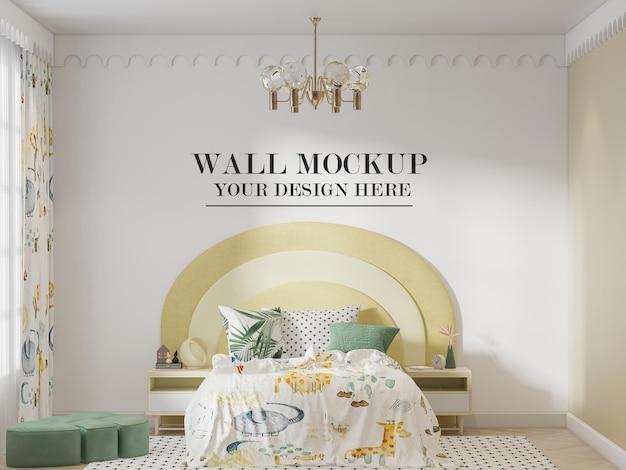 Макет стены за желтым изголовьем кровати