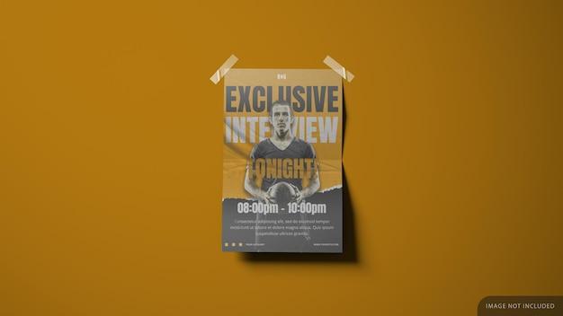 벽 종이는 모서리에 테이프가있는 3d 렌더링의 포스터 목업 디자인을 인쇄했습니다.