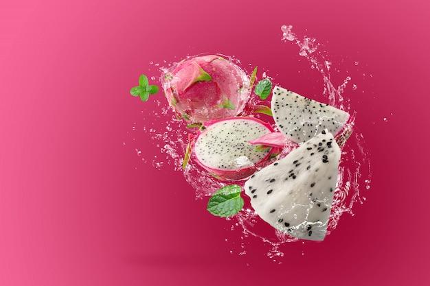 ドラゴンフルーツの水しぶきやピンクのピタヤ Premium Psd