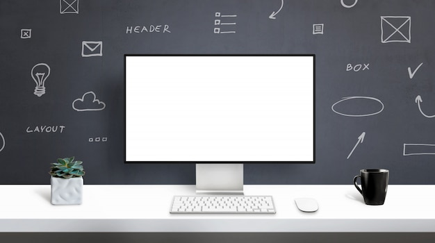 Webデザイナースタジオ、コンピューターディスプレイモックアップ。アプリまたはwebサイトのデザインプレゼンテーションの分離画面。オフィスデスク、フロントビュー。壁にwebデザイングラフィック要素