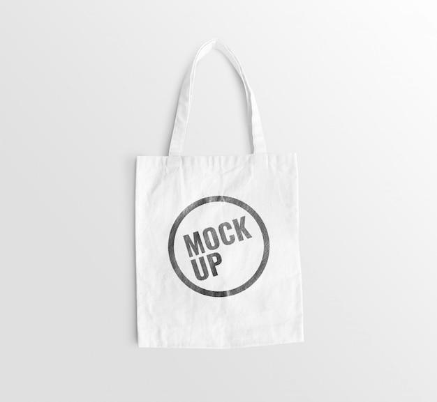 Белая холщовая сумка на полу, реалистичный макет