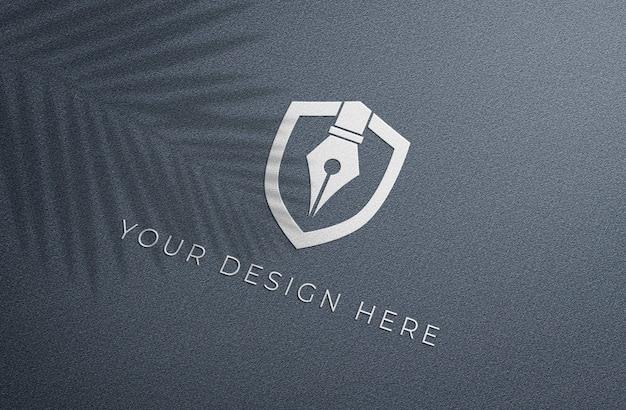 Макет белого тисненого логотипа