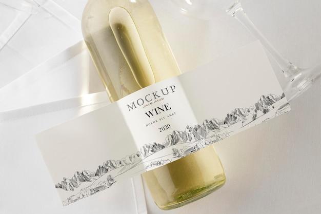 ワインボトルのラベルはフラットレイをモックアップします