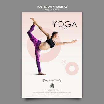 Concetto del modello dell'aletta di filatoio dello studio di yoga