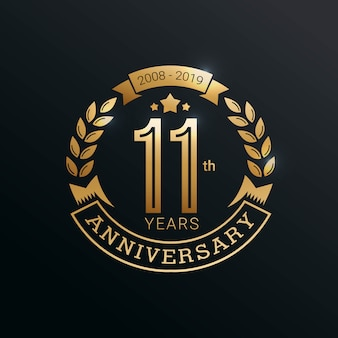 11 лет юбилей логотип с золотым стилем