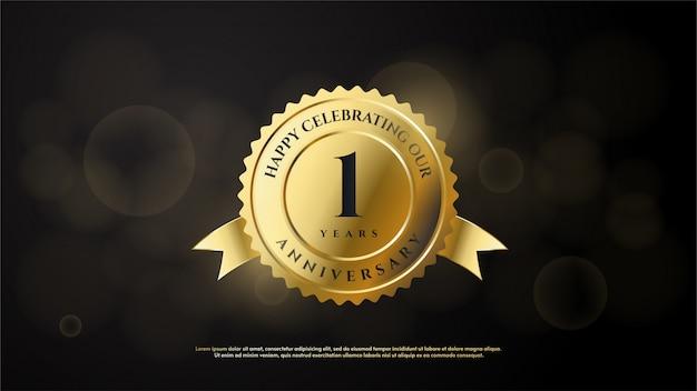 1-ая годовщина с золотой иллюстрацией круга с номером 1, окрашенным в золото.
