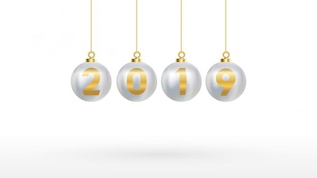 2019 с новым годом с цветными елочными шарами