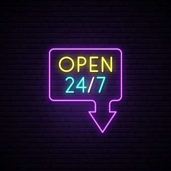 Открыт 24/7 неоновая вывеска.