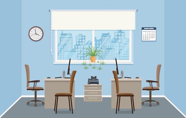 人のいない2つの職場を持つオフィスインテリアデザイン。家具と窓のある事務室。