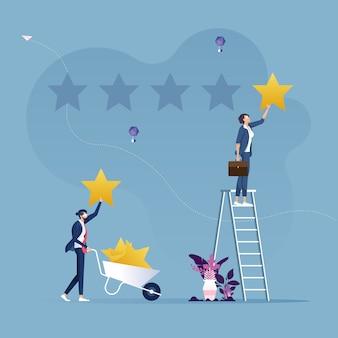 星の評価を与える2人のビジネスマン-カスタマーレビューのコンセプト