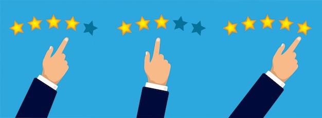 顧客レビューのコンセプト。手は3つ、4つまたは5つの星を与えます。ゴールデンスターの評価。フィードバック、評判、品質。フラットの図。