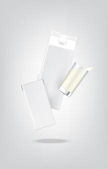 3dモックアップ現実的なミルクカートンパックボックスと飲み物のガラス