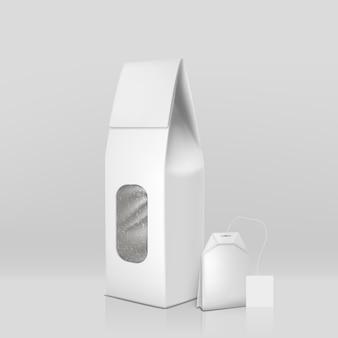 Упаковка натурального черного чая 3d реалистичная с пакетиком чая и чистой белой герметичной бумагой