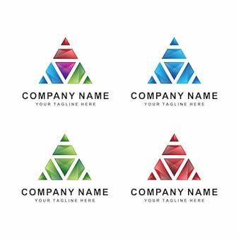 3d三角ロゴ
