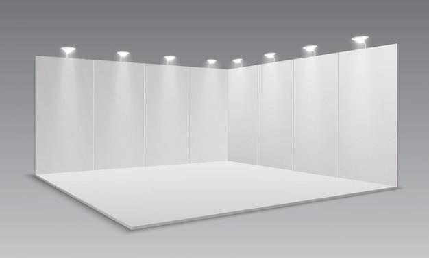 Пустой дисплей выставочного стенда. белые пустые панели, рекламный рекламный стенд. шаблон 3d презентации комнаты для мероприятий
