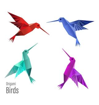 4 птички оригами из бумаги, сделанные в векторах