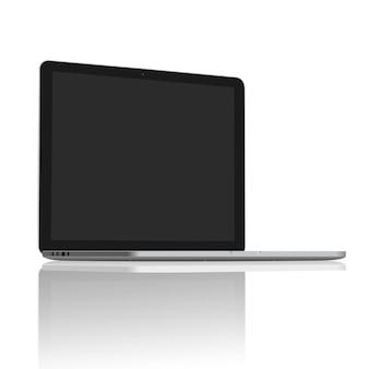 現実的なノートパソコンの空白の画面を45度に設定
