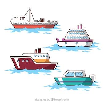平らなデザインの4つの船のコレクション