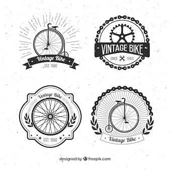 4つのレトロな自転車バッジのセット