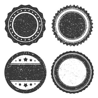 4つの異なるグランジバッジ、サークルスタンプ古いスタイル。