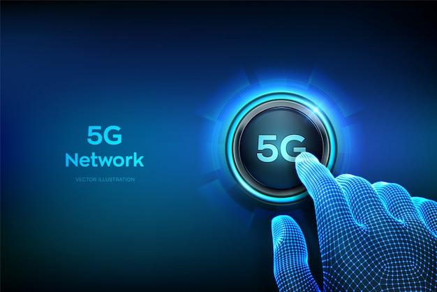 5gネットワーク無線システムとモノのインターネット。ボタンを押しようとしているクローズアップの指。スマートシティと通信ネットワーク。