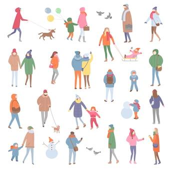 冬と秋の暖かい服、歩く人
