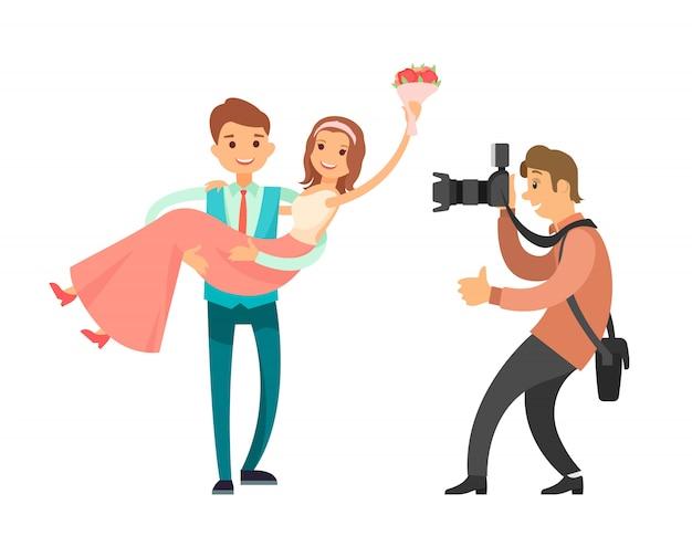 Семейный фотограф делает фотографии супружеской пары
