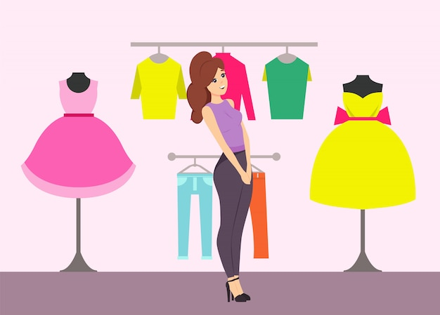 Покупки женщина смотрит на платья в магазине