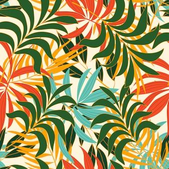 Весна-лето бесшовные тропический узор с растениями и листьями