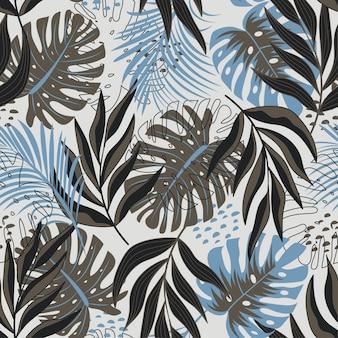 Бесшовные тропический узор с яркими экзотическими листьями и растениями