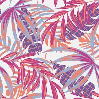 カラフルな熱帯の葉と繊細な背景の上の植物とビーチのシームレスパターン