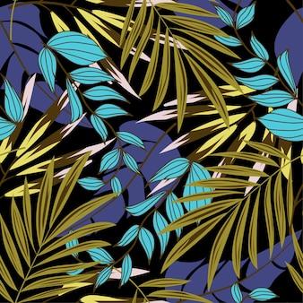 Оригинальный абстрактный бесшовные модели с разноцветными тропическими листьями и растениями на темном