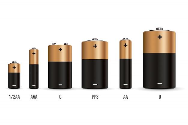 Комплект щелочных батарей с различными размерами.