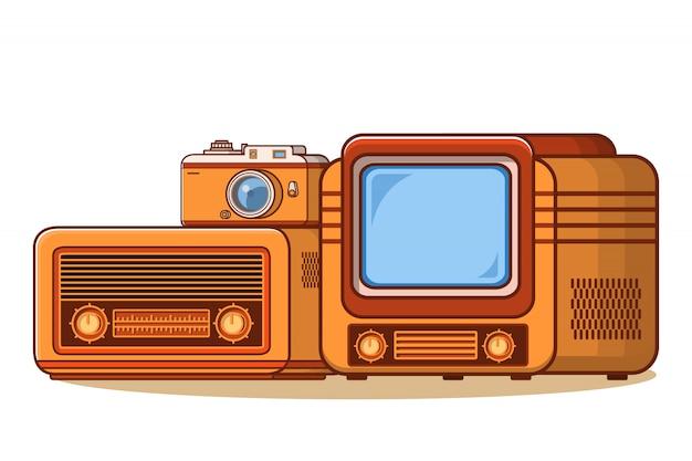 古いラジオ受信機、テレビビンテージテレビ、レトロなカメラ。