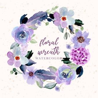 紫の花と羽の水彩画の花輪