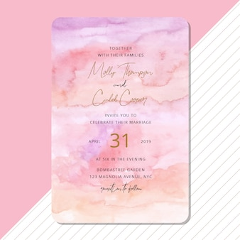 美しい抽象的な水彩画の背景を持つ結婚式の招待状