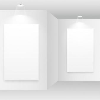 額縁を持つ空の白い部屋