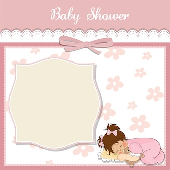 小さな赤ちゃんの女の子とベビーシャワーカードは、彼女のテディベアのおもちゃで遊ぶ