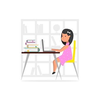 ラップトップコンピューターを使用して自宅で小さな女の子。