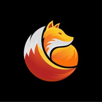 燃えるようなキツネのロゴデザイン